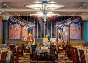 Restaurante principal crucero Disney Magic