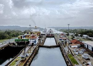 Crucero antillas neerlandesas, Canal Panamá