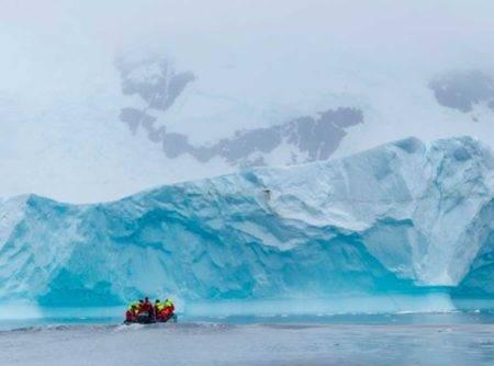 Descubre la Antártida con el crucero expedición Hurtigruten