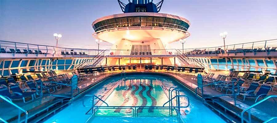 Piscinas y instalaciones crucero Sovereign de Pullmantur