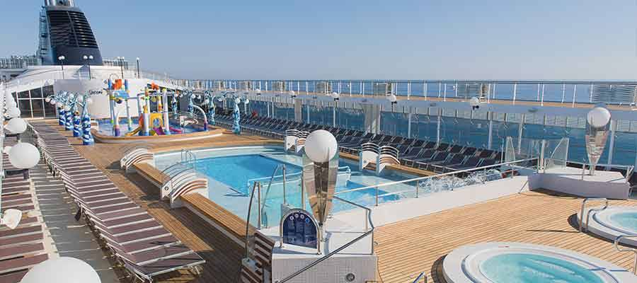 Piscinas crucero MSC Opera
